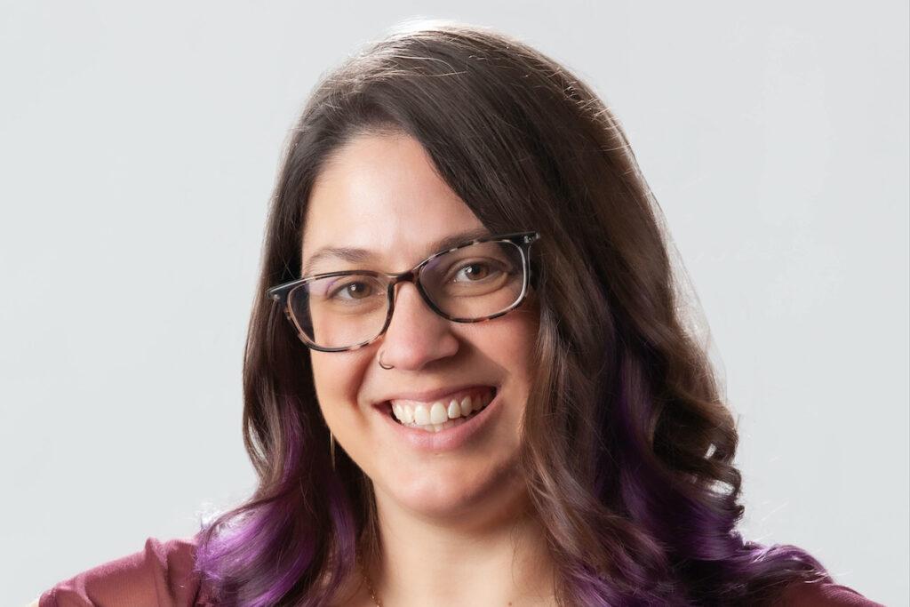 Sarah Larson Headshot 2021